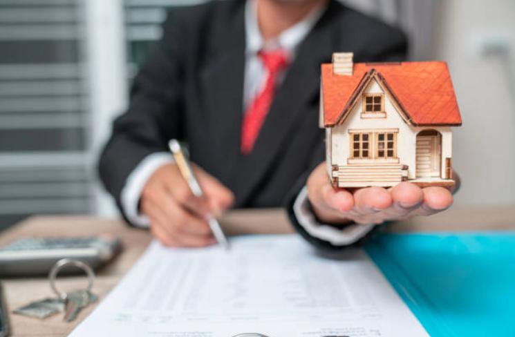 Cómo ganar dinero en bienes raíces